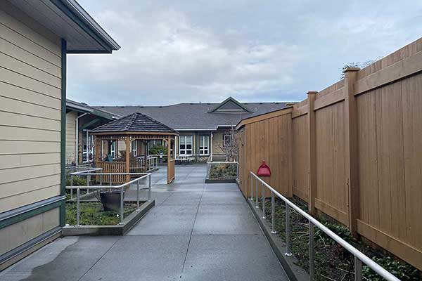 Ayre Manor Complex Care Courtyard